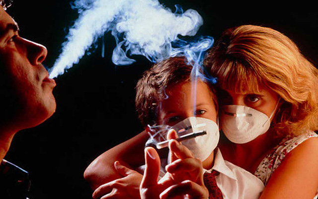 Bệnh tật và tử vong sớm do sử dụng thuốc lá gây ra gánh nặng kinh tế không chỉ cho bản thân người bệnh mà còn cho cả gia đình họ và xã hội. ảnh minh họa.