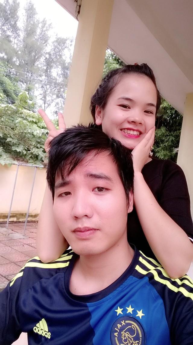 Hình ảnh hạnh phúc đời thường của cặp đôi Lệ Giang và Văn Đồng.