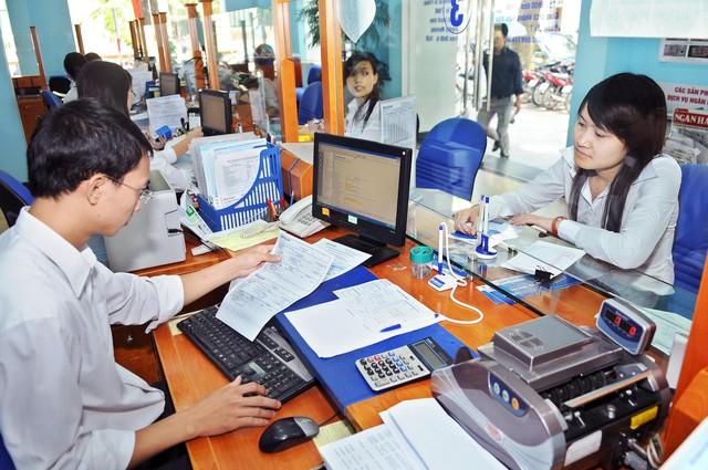Việc tổ chức làm việc ngày thứ 7của Hà Nội được cán bộ, nhân dân đồng tình, ủng hộ. ảnh: Đ.V
