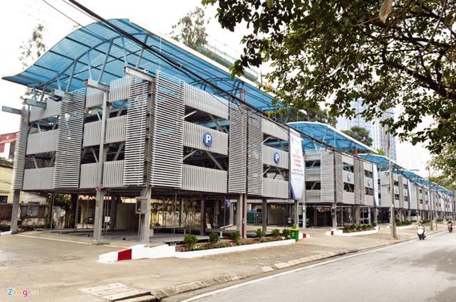 Giàn thép đỗ xe cao 4 tầng trên phố Nguyễn Công Hoan là một trong những phương án hiệu quả cải thiện quy hoạch giao thông công cộng ở Hà Nội.