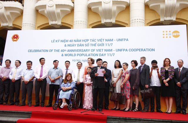 Thứ trưởng Bộ Y tế Nguyễn Viết Tiến phát biểu khai mạc Lễ kỷ niệm 40 năm hợp tác Việt Nam - UNFPA và Ngày Dân số Thế giới 11/7. Ảnh: Chí Cường