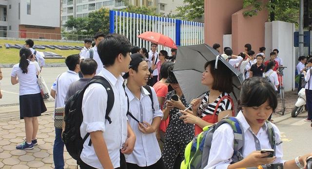"""Kỳ tuyển sinh đầu cấp năm học 2017-2018 ở Hà Nội đã """"nóng"""" ngay từ đầu năm với hàng loạt trường sớm phát hành hồ sơ. Ảnh minh họa: Q.Anh"""