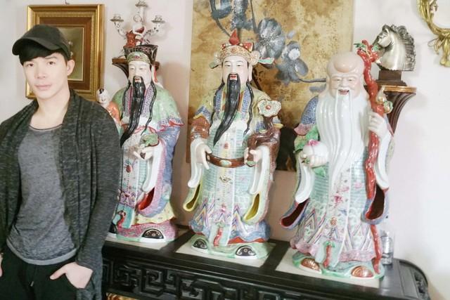 Nathan Lee cho biết, tượng ba ông Tam Đa của gia đình anh đã hơn 200 tuổi.