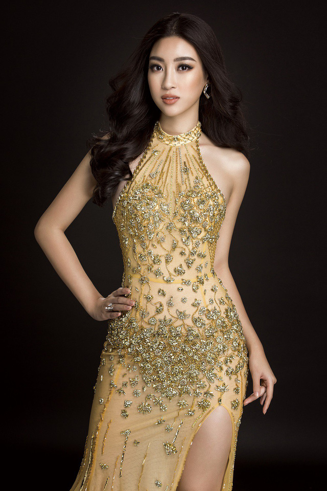 Trang phục tạo nên sự nữ tính, nhẹ nhàng mà vẫn quyến rũ, gợi cảm cho Mỹ Linh.