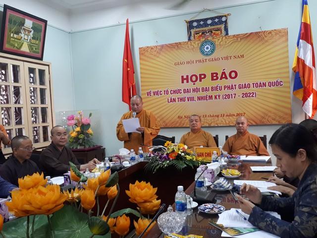 Hòa thượng Thích Gia Quang - Phó Chủ tịch Hội đồng trị sự Trung ương Giáo hội Phật giáo Việt Nam phát biểu tại buổi họp báo. Ảnh: T. T