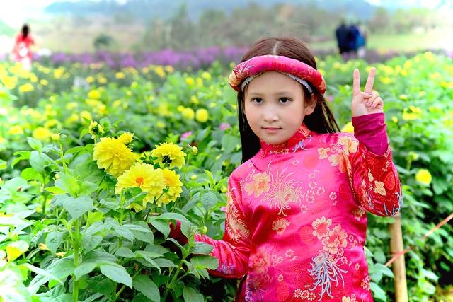 Bé Mary Linh trông khá Tây