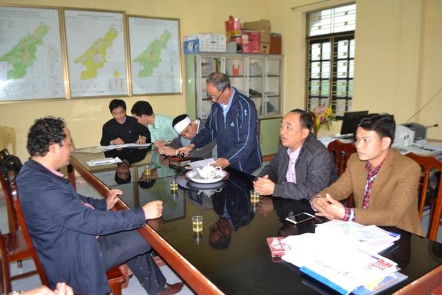 Ban ANGT tỉnh Thái Bình về gia đình các nạn nhân để hỏi thăm và hỗ trợ. Ảnh: Đ.Tuỳ