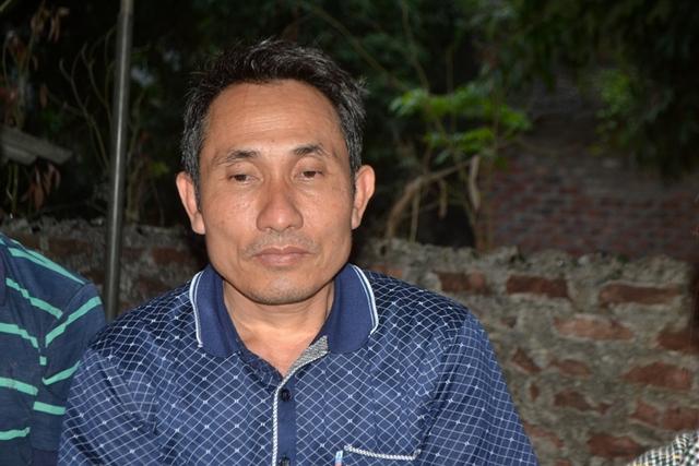 Ông Nguyễn Xuân Khoa (anh trai nạn nhân) nói về những điều nghi vấn. Ảnh: Đ.Tuỳ