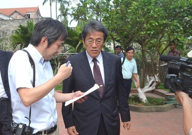 '' Rất nhiều PV Nhật Bản có mặt tại gia đình anh Hào để đưa tin ''