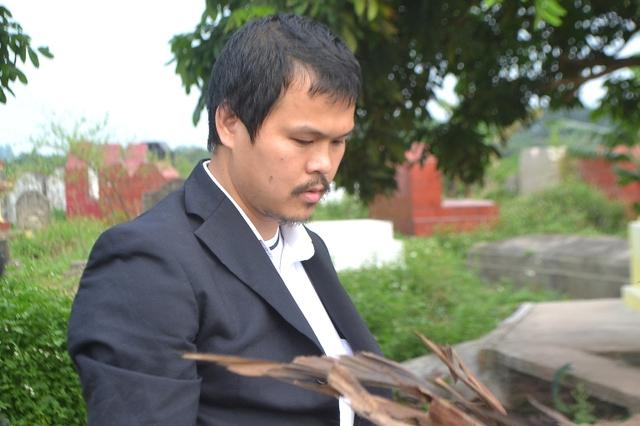 Anh Hào cùng người thân sẽ làm đơn kiến nghị lên cơ quan chức năng nếu không tìm ra hung thủ sát hại con gái. Ảnh: Đ.Tuỳ