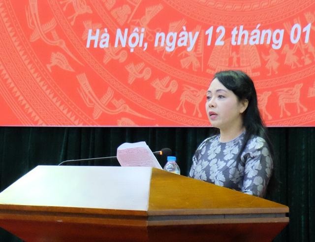 Bộ trưởng Nguyễn Thị Kim Tiến báo cáo tóm tắt công tác y tế năm 2016.