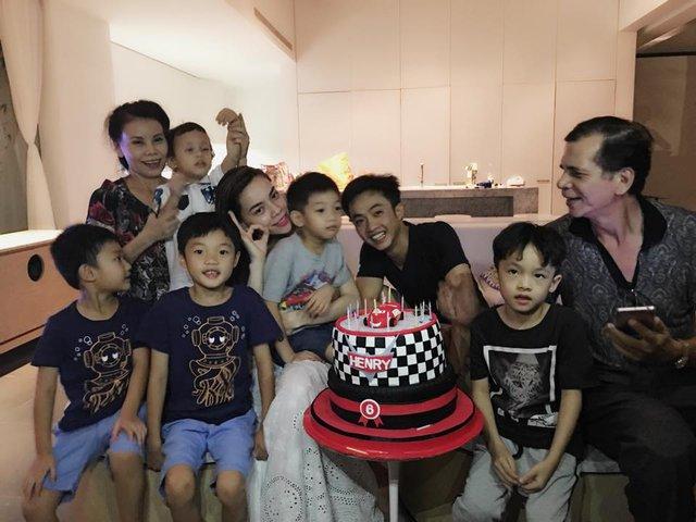 Hà Hồ và Cường Đô La tái hợp trong sinh nhật con trai