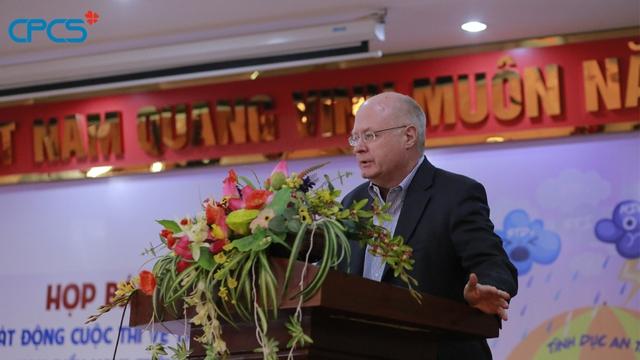 Ông Michael Evans, Trưởng đại diện Speec of DKT International,Inc đánh giá cao sự hợp tác với Tổng cục DS-KHHGĐ trong việc tuyên truyền giới trẻ sử dụng các biện pháp tránh thai an toàn.