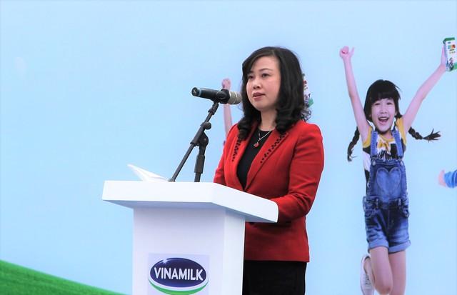 Bà Đào Hồng Lan - Ủy viên dự khuyết Ban chấp hành trung ương Đảng, Thứ trưởng Bộ Lao động thương binh và Xã hội phát biểu khai mạc chương trình.