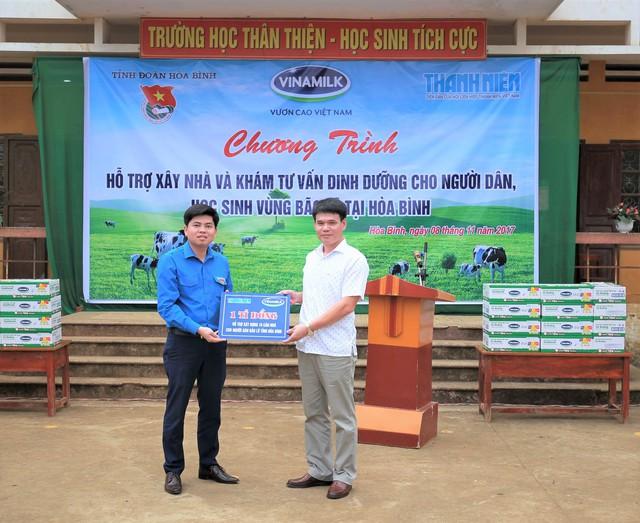 Vinamilk hỗ trợ 3 tỷ đồng cho người dân vùng lũ 3 tỉnh Yên Bái, Hòa Bình và Thanh Hóa