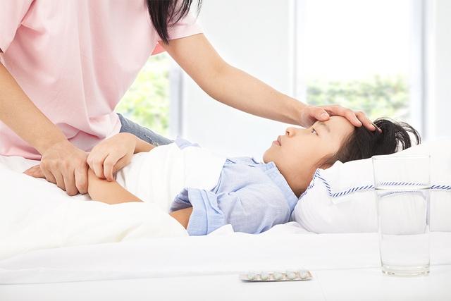 Đây là thời điểm trẻ nhỏ rất dễ mắc bệnh cúm và cần được chăm sóc kỹ nều không muốn xảy ra biến chứng nguy hiểm về sau.