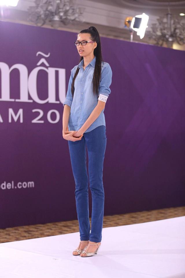 Lương Thị Hồng Xuân đã từng trở thành tâm điểm của vòng casting tại Vietnam's Next Top Model mùa 2015 với chiều cao khủng 1,9m
