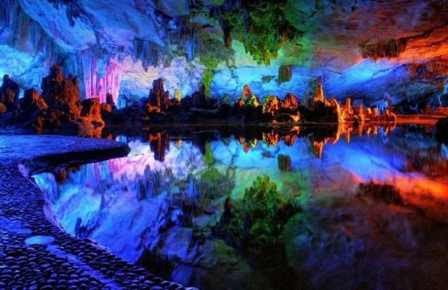 Theo các nhà khoa học, hang Sơn Đòong được hình thành cách đây khoảng 2 - 5 triệu năm