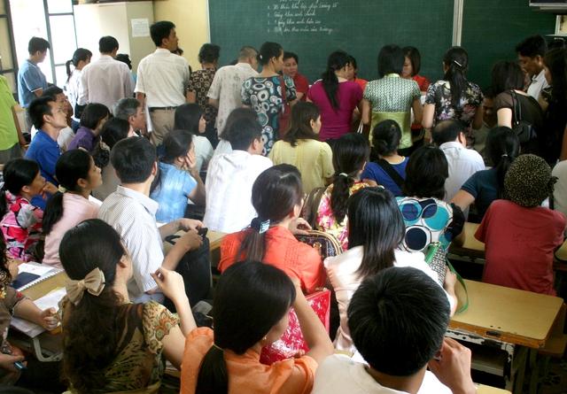 Sở GD&ĐT Hà Nội đã ban hành 10 khoản được phép thu của phụ huynh đầu năm học. Ảnh minh họa: Chí Cường