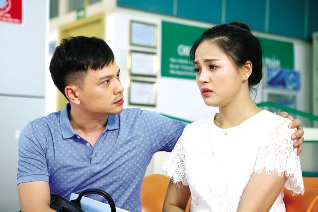 Thu Quỳnh và MC Danh Tùng trong phim Sống chung với mẹ chồng (ảnh nhân vật cung cấp).