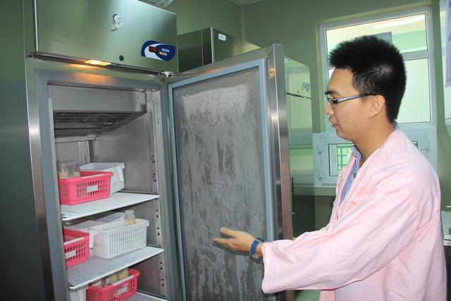 Quy trình bảo quản sữa được thực hiện nghiêm ngặt. Ảnh: Đức Hoàng