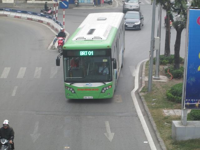 Đường thông thoáng, buýt nhanh dễ dàng di chuyển.