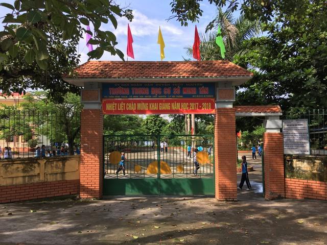 Ngày 27/8, phụ huynh trường THCS Minh Tân đến họp đầu năm theo giấy mời của lớp gửi về.