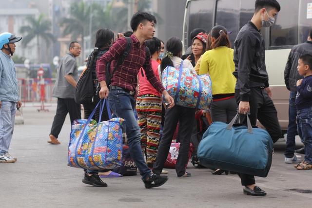 Do lượng người ít nên việc chuyển đồ đạc của nhiều người cũng dễ dàng hơn.