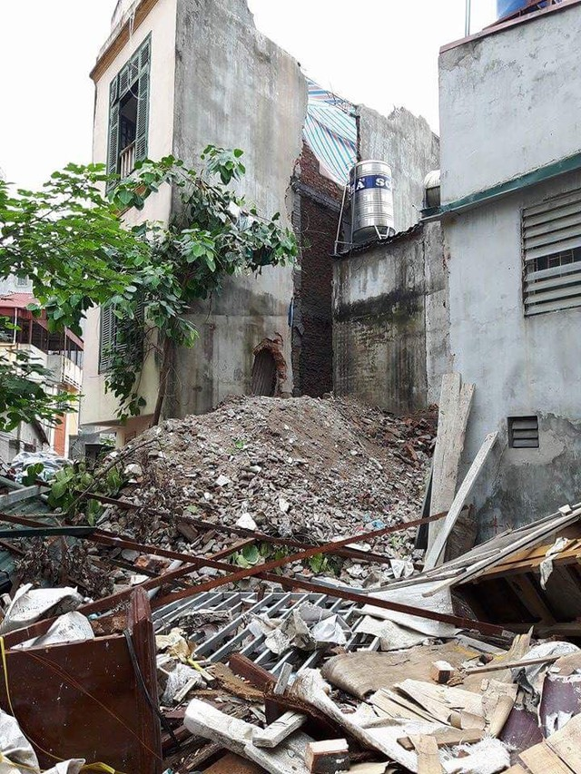 Hiện trường vụ đập phá công trình trên địa bàn phường Khương Thượng đang gây nhiều tranh cãi