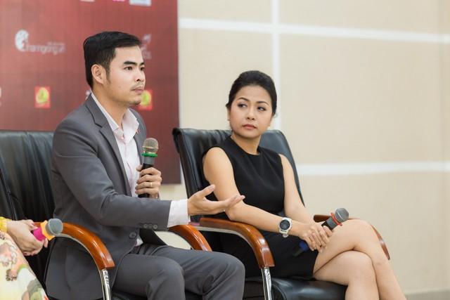 Anh Huỳnh Công Thắng cùng chị Trần Uyên Phương