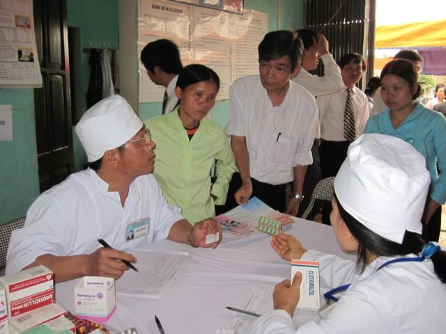 Cần đổi mới phương thức cung cấp dịch vụ chăm sóc SKSS/KHHGĐ, đưa dịch vụ tới tận người dân. Ảnh: T.G