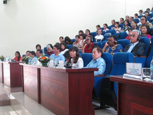 Toàn cảnh hội thảo Kết nối nghiên cứu và chính sách y tế. Ảnh: NT