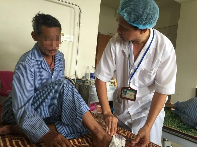 Khám cho bệnh nhân ĐTĐ ở Bệnh viện Nội tiết Trung ương (cơ sở 2). Ảnh: T.G