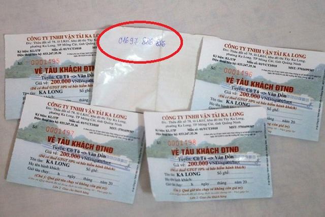 Số vé đoàn khách đã đặt mua và số điện thoại liên hệ với Công ty TNHH Vận tải Ka Long khi đoàn về tới cảng Cái Rồng. Ảnh: (Bạn đọc cung cấp)
