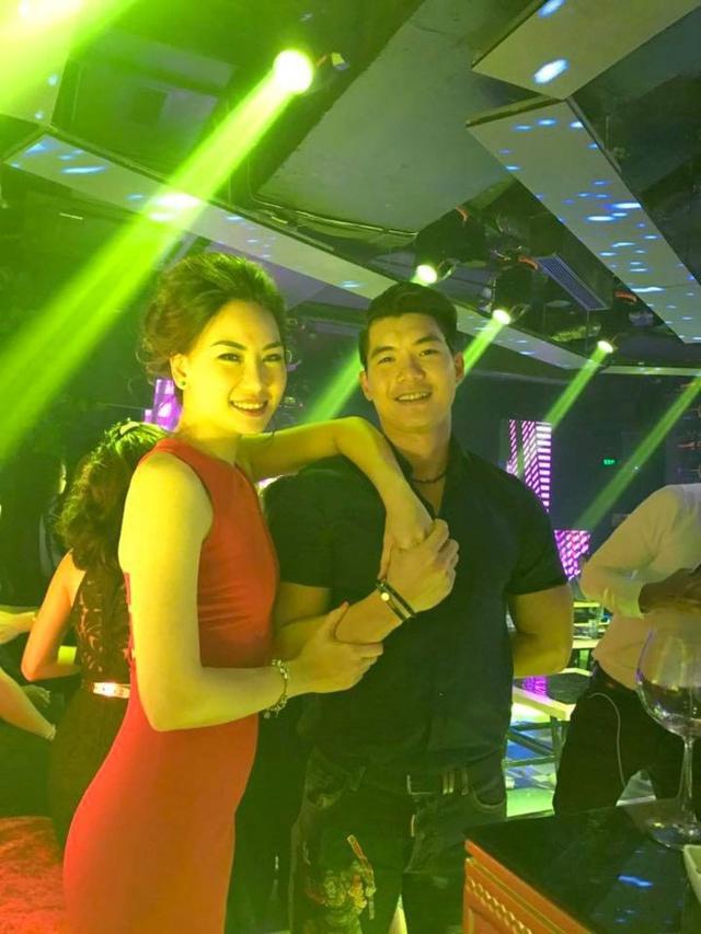 """Trương Nam Thành từng khiến nhiều người """"ghen tị"""" từ khi công khai tình cảm với giải Bạc Siêu mẫu 2010 Phạm Thùy Linh."""