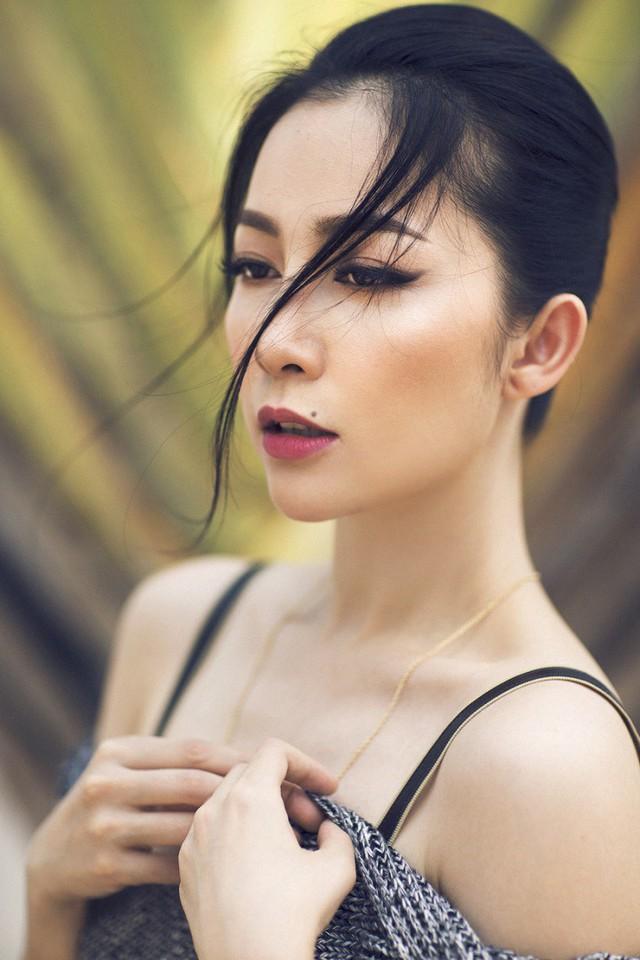 """Dù đã ở tuổi 31, bà mẹ một con Linh Nga vẫn sở hữu vẻ đẹp """"không góc chết"""" cùng thân hình đáng ngưỡng mộ."""