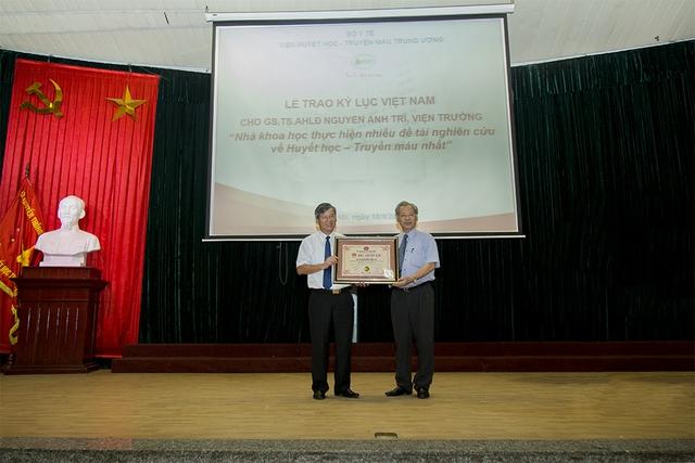GS.TS Nguyễn Anh Trí sinh năm 1957, ông đảm nhiệm vị trí Viện trưởng Viện Huyết học - Truyền máu Trung ương từ năm 2003 đến nay.