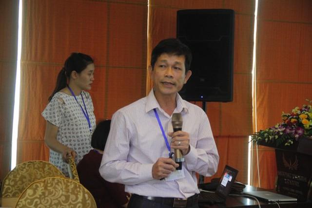 Bác sĩ Đậu Minh Quang – Giám đốc Bệnh viện Lao và Bệnh viện phổi Nghệ An báo cáo kết quả dự án.