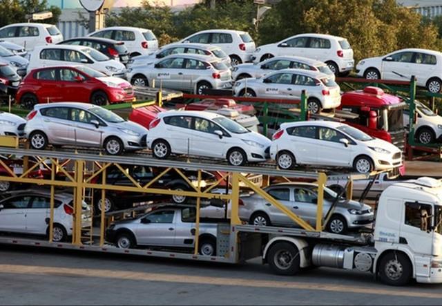 Lượng ô tô nhập khẩu tăng mạnh từ đầu năm. Ảnh Internet
