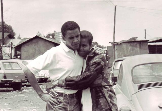 Ông Obama gặp bà Michelle Robinson hồi tháng 6/1989 khi còn là sinh viên Đại học Harvard. Hai người đã phải lòng nhau ngay từ cái nhìn đầu tiên, họ quyết định hẹn hò vào mùa hè năm đó. Ảnh: Time