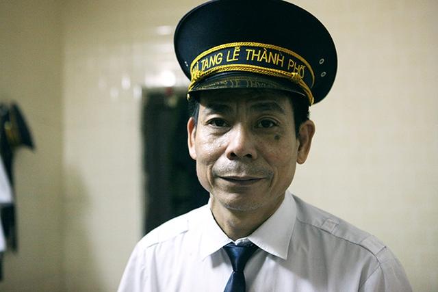 Ông Lê Đình Chanh làm nghề khâm liệm xác chết được 15 năm.