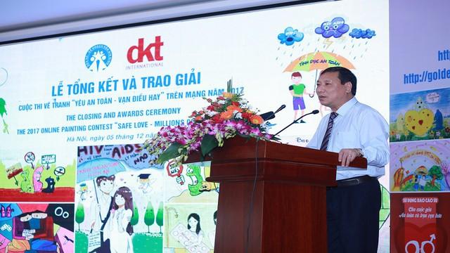 Ông Võ Thành Đông, Phó Tổng cục trưởng Tổng cục DS-KHHGĐ phát biểu tại buổi lễ.