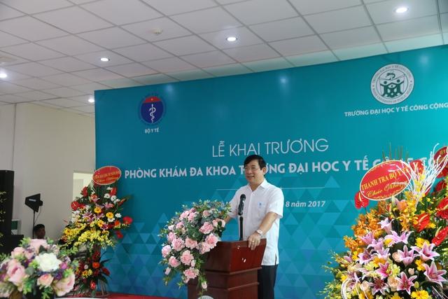 PGS.TS Lương Ngọc Khuê - Cục trưởng Cục khám chữa bệnh (Bộ Y tế) phát biểu tại buổi lễ.