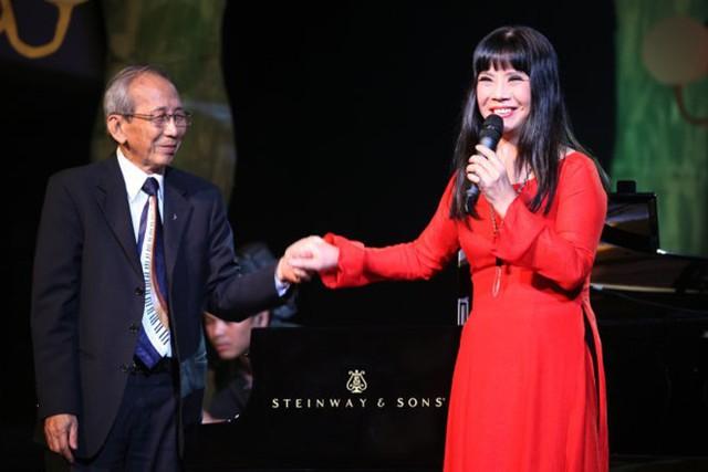 Ca sĩ Ánh Tuyết bị gia đình cố nhạc sĩ Nguyễn Ánh 9 phản ứng sau khi công bố đêm nhạc tưởng nhớ ông.