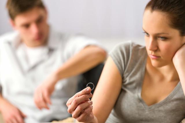 Bí mật động trời của các cặp ly hôn qua tiết lộ của luật sư