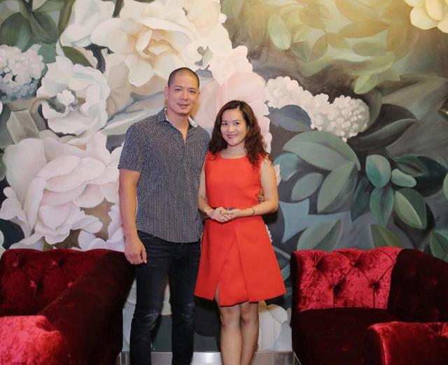 Nhân dịp tròn 9 năm kết hôn, vợ chồng Bình Minh - Anh Thơ đã tổ chức bữa tiệc ấm cúng tại một nhà hàng sang trọng ở TP HCM vào tối 15/4.