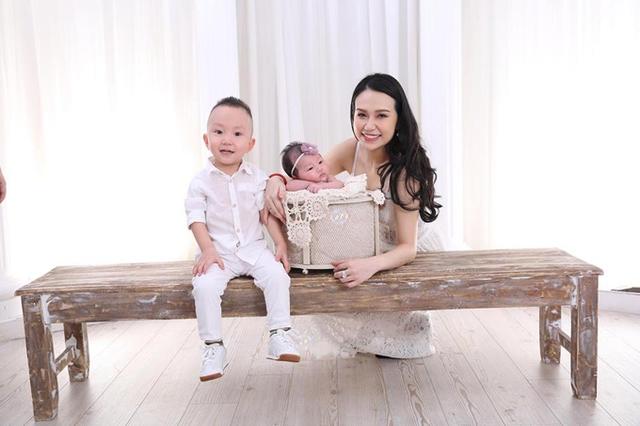 Tuấn Hưng lần đầu tiết lộ gương mặt con gái gần 1 tháng tuổi