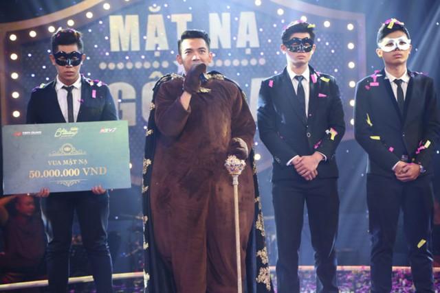 Mai Quốc Việt đăng quang Mặt nạ ngôi sao mùa đầu tiên. Ảnh: ĐQ.
