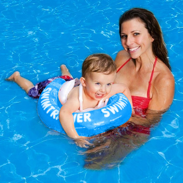 Luôn mang phao bơi cho trẻ để phòng chống đuối nước.