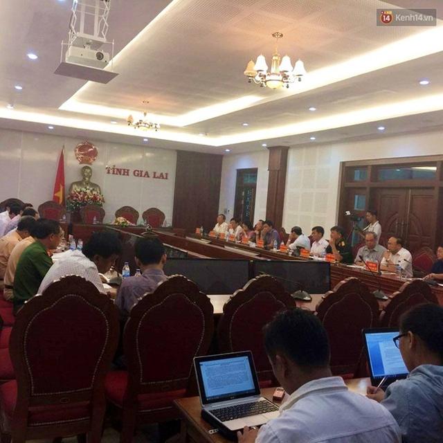 Ủy ban an toàn giao thông tỉnh Gia Lai họp báo công bố nhanh nguyên nhân ban đầu vụ tai nạn rạng sáng ngày 7/5.